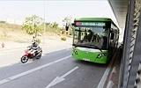 Từ tàu điện Bờ Hồ đến xe buýt nhanh Kim Mã: Nghĩ về giao thông Hà Nội